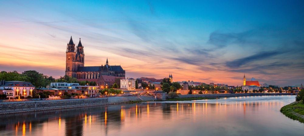 panorama van Magdeburg in Duitsland