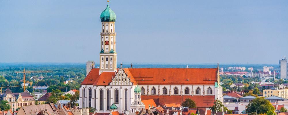 skyline van Augsburg met de kathedraal
